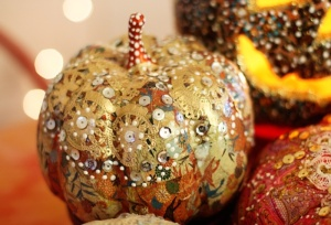 diy-liberace-pumpkin-as-a-colorful-fall-decor-piece-3
